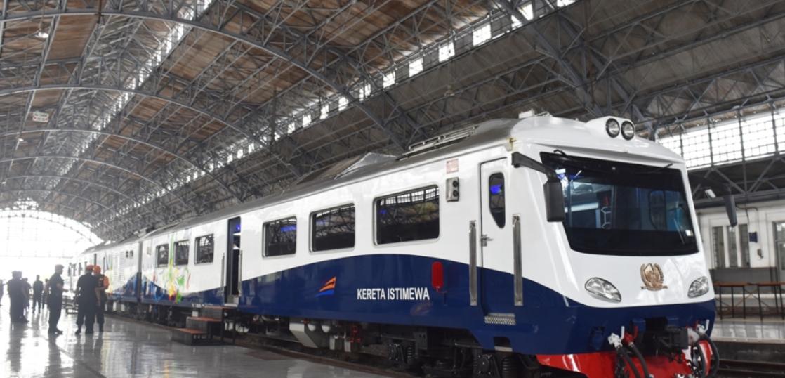 インドネシア 貸切 豪華列車