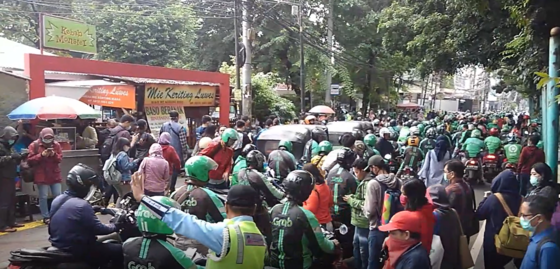 コロナウイルス インドネシア 感染状況